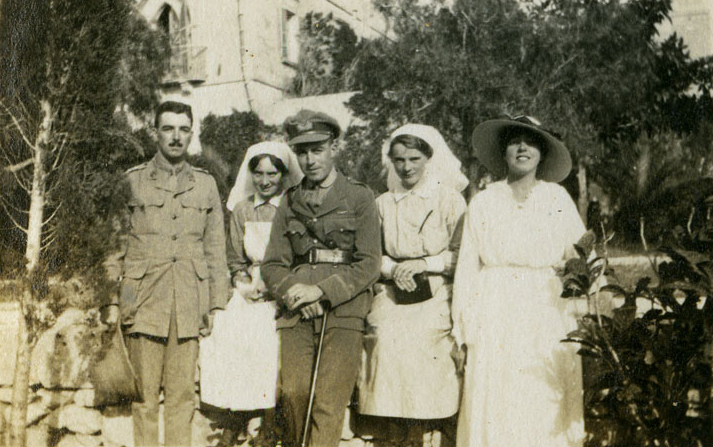 Alice Welford, Isabella Stenhouse, an unidentified VAD, and two male Army officers